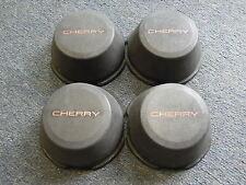 4 Nabenabdeckungen/Radkappen für Datsun/Nissan Cherry