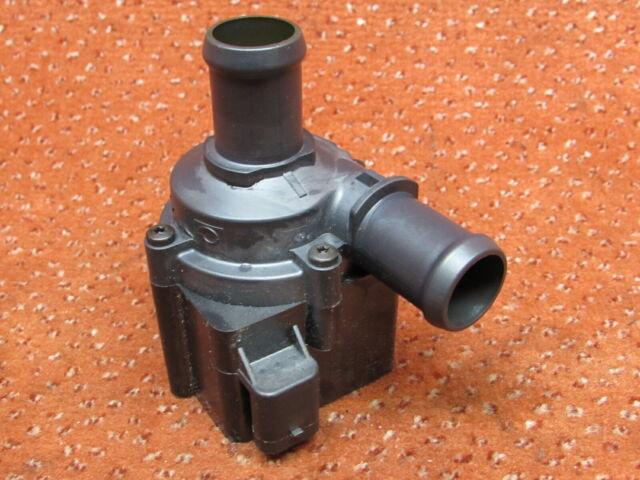 5Q0965561B Bomba de Agua Circulación Audi A1 A3 8V A4 8K B8 A5 Q5 1,6 2,0 Tdi
