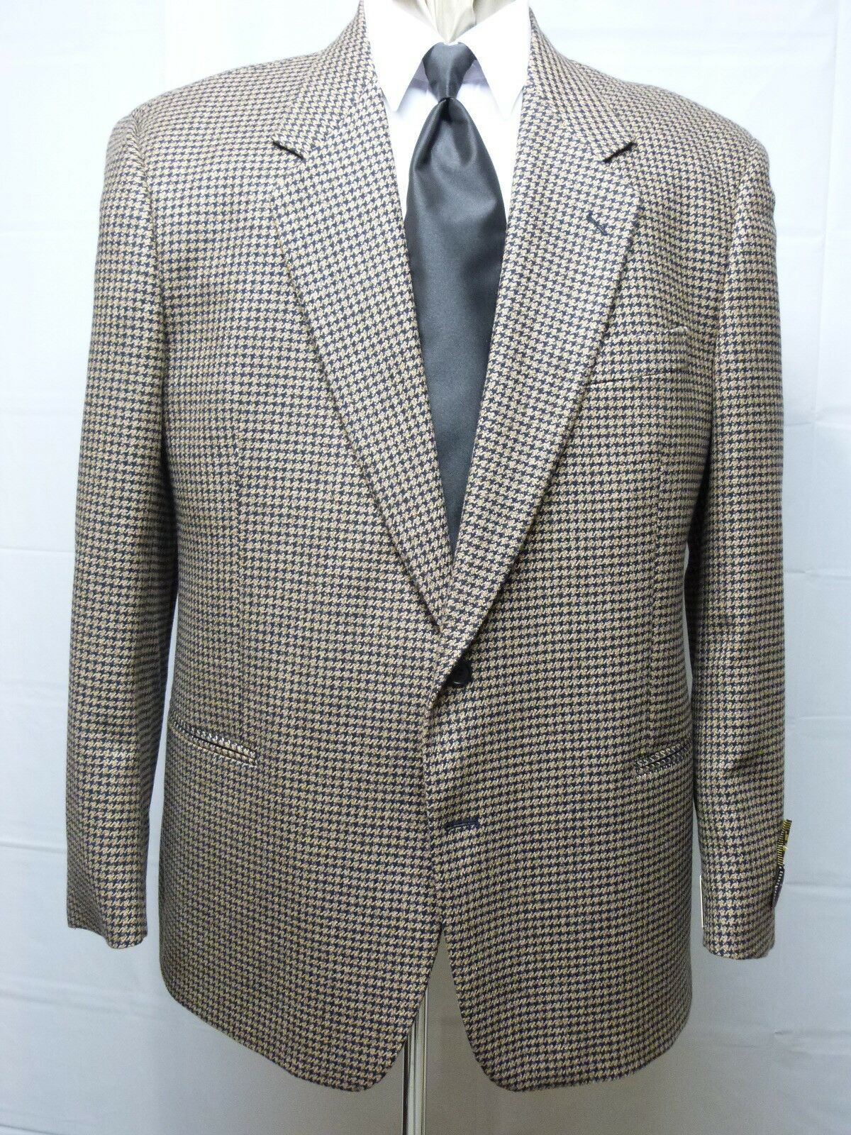 Two Button Sport Coat, 46R Made in , Wool/Cashmere, Tan, NWT
