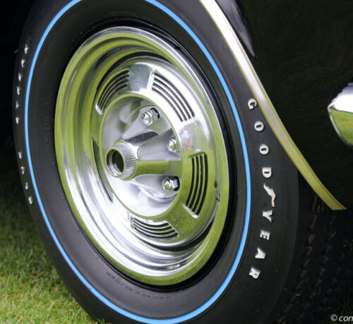 """13/"""" Factory Style Magnesium Hubcaps Resin 1//25 scale 60/'s Valiant Barracuda"""