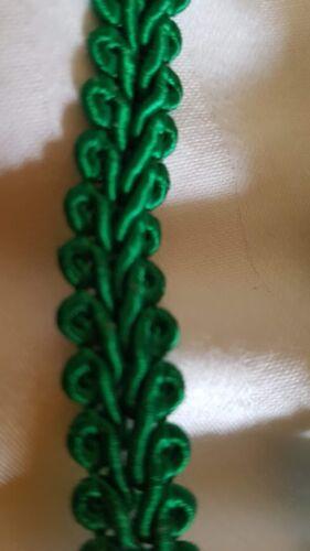 10mm x 2 metres green edging tape braid sewing