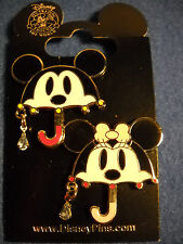 MICKEY /& MINNIE Little Bride /& Groom Disney New on Card 2 Pin Set