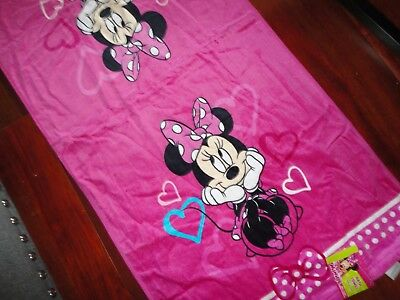 DISNEY MINNIE MOUSE FUCHSIA HEARTS PINK BATH TOWEL 25 X 50