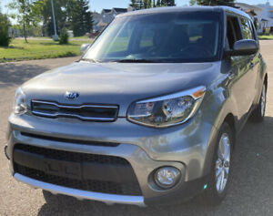 2018 Kia Soul Ex - loaded, very good condition