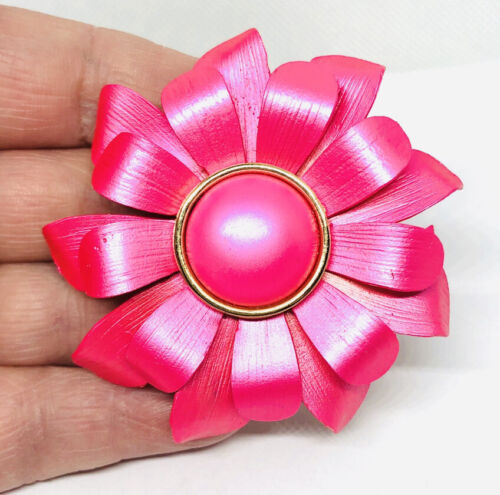 beautiful enameled Flower Power /& Pucci Era Flower Pin Brooch in MINT vintage condition 8.5 x 4.8 cm total 25 Gram Hot Pink and Purple long