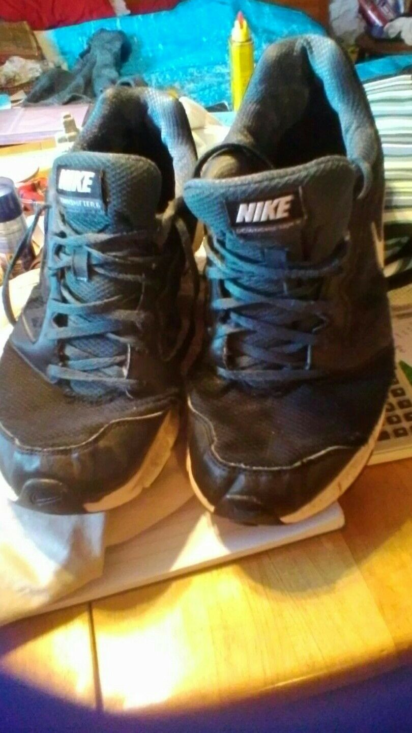 Nike lightweight trainers. 3 months nown old needs needs old winter ones nown   8180a0