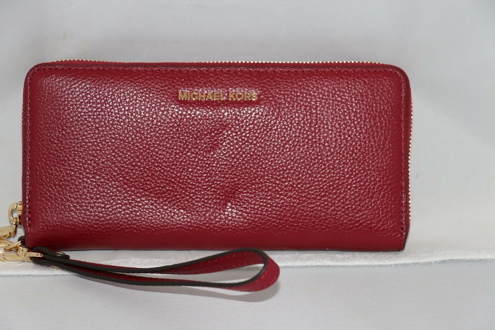 fa7dbff9f8dc Michael Kors Mercer Travel Leather CONTINENTAL Wristlet Wallet ...