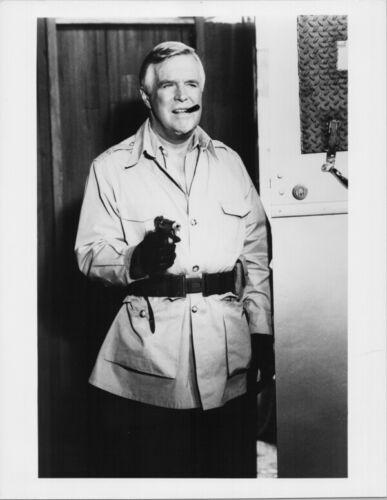 The A Team George Peppard as Hannibal holding gun 1980/'s 8x10 photo