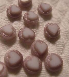 SWEET MAUVE HEART VINTAGE GLASS CABOCHON