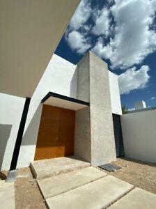 Casa en Venta en Mérida de 3 habitaciones y alberca