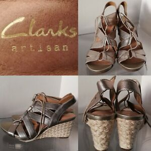 Details about Clarks Artisan Acina Chester Wedge Sandals Gold Metallic Leather Heels 26126446