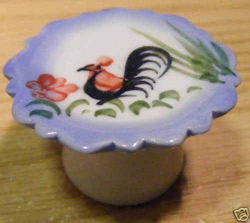 1:12 Scale Ceramic Cockerel Cake Stand Tumdee Dolls House Kitchen Accessory C33a