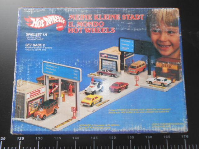 Vintage Toy Hot Wheels Starter Set 2 World Le Monde Mattel