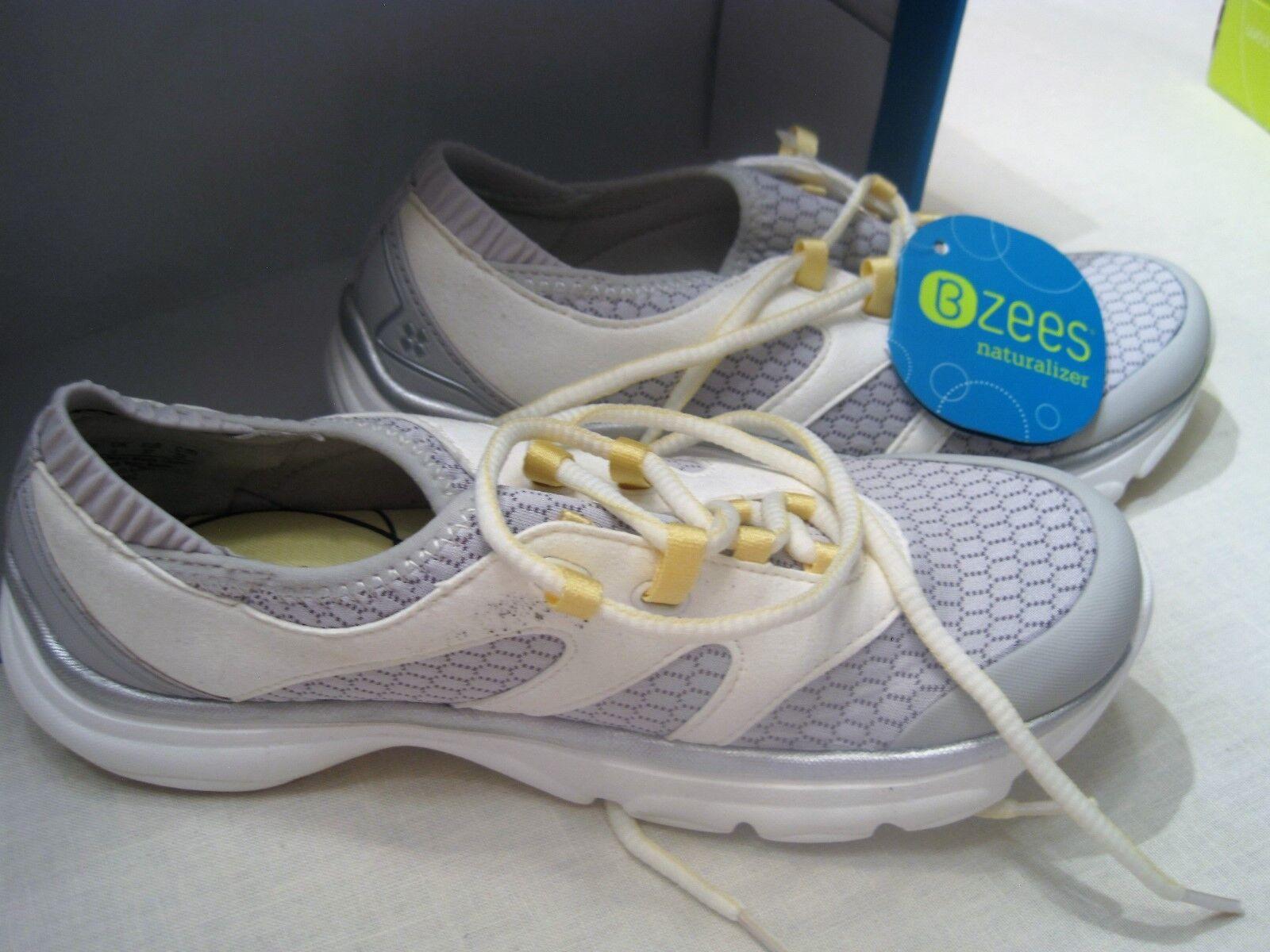 B Zees Naturalizer shoes Size 6 M