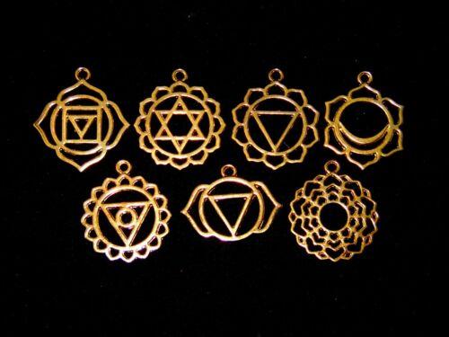 7 piezas mixtas tibetano Chakra De Oro Colgantes Charms Hueco Filigrana Estilo C170