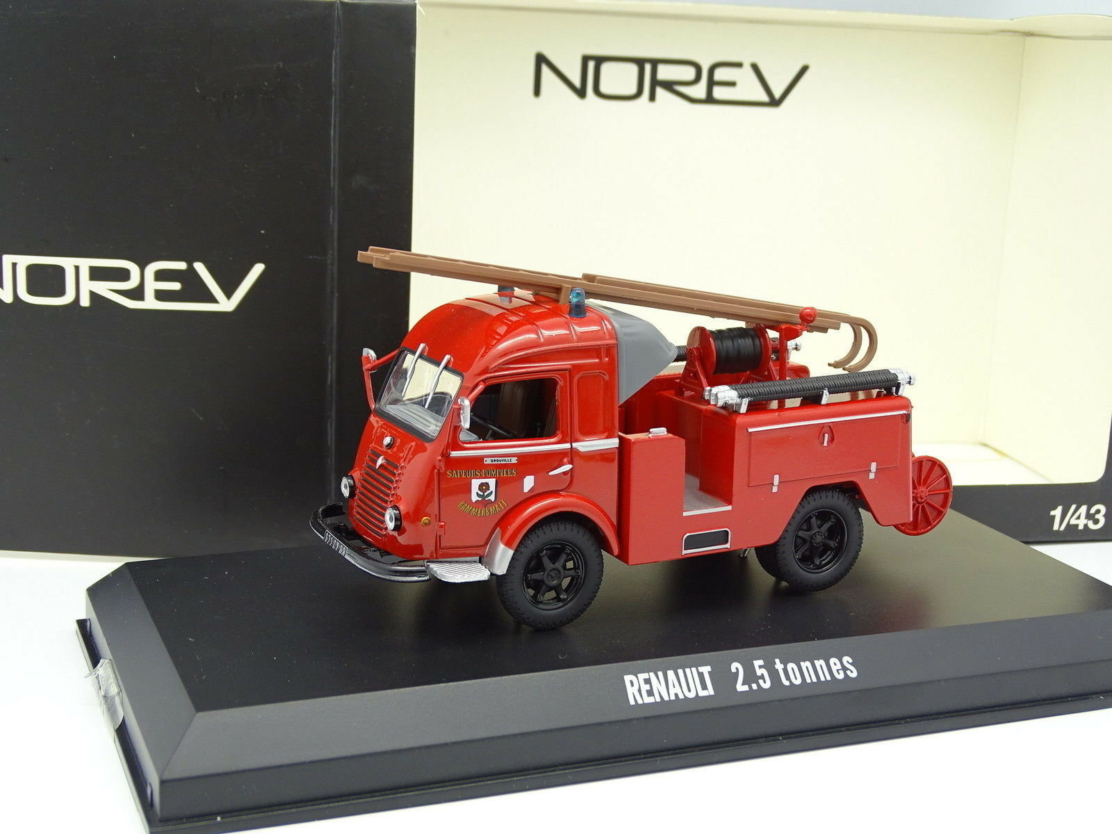 Norev 1 43 - Renault Galleon 2T5 Firefighters Drouville Rammersmatt