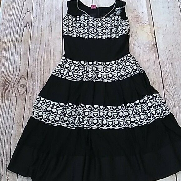 Save the Queen! geometric waisted dress sz M - image 5