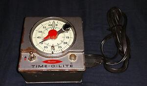 Master Time-O-Lite Enlarger Timer Model M-72 Automatic RE-SET tested.(C16B1)