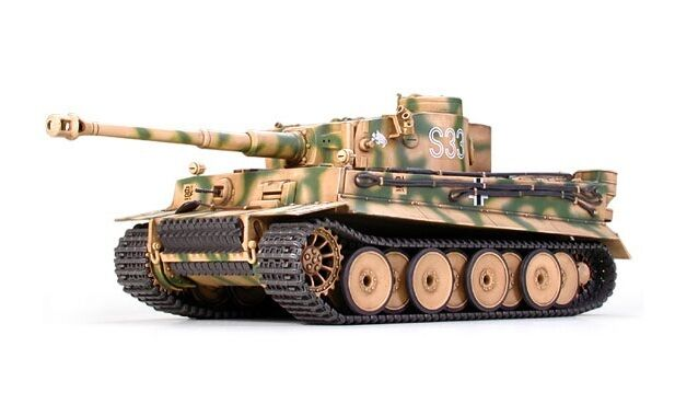 Tamiya 35146 1/35 Military Model Kit WWII German Heavy Tank Tiger I Late Version