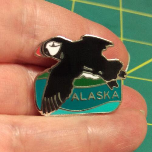 new // unused Very nice! Alaska Puffin Pin Alaska Pin Puffin flying