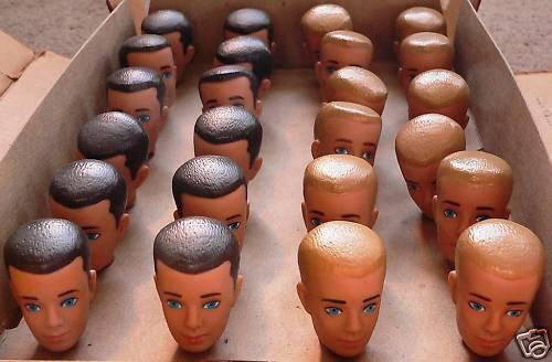 Vintage Muñeca Barbie Ken cabezas Caja de 24 Fábrica Menta a estrenar nunca quitado de la caja en caja como nuevo Menta en paquete de menta en tarjeta