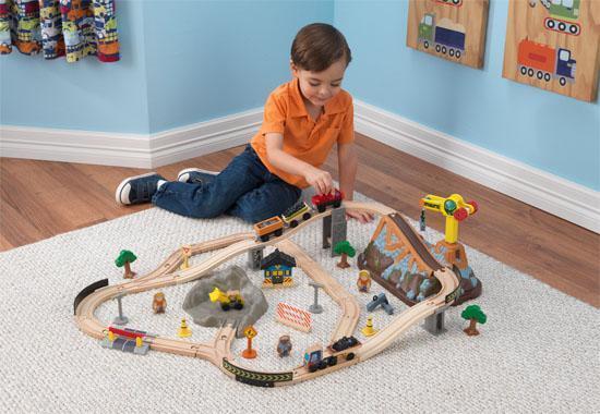 Train et circuit de train au chantier avec boite de rangement 17805