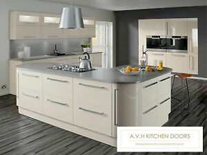 Made-to-Measure-Kitchen-Cupboard-Doors-Drawers