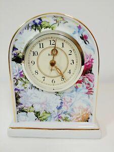 Vintage-BULOVA-Porcelain-Desk-Shelf-Mantel-Clock-Quartz-B1736-Works-Great