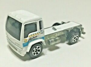 """Vintage 1999 Matchbox White 1:90 Diecast 2 3/4"""" Delivery Truck Body Only"""