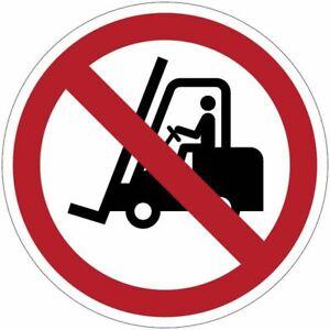 """Cartelli di divieto ISO 7010 """"Vietato il transito ai carrelli elevatori"""" - P006"""
