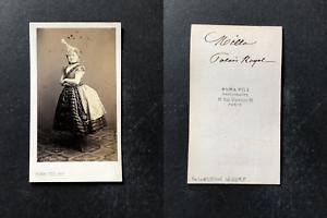 Numa fils, Paris, Milla, actrice du théâtre du Palais Royal, circa 1865 vintage