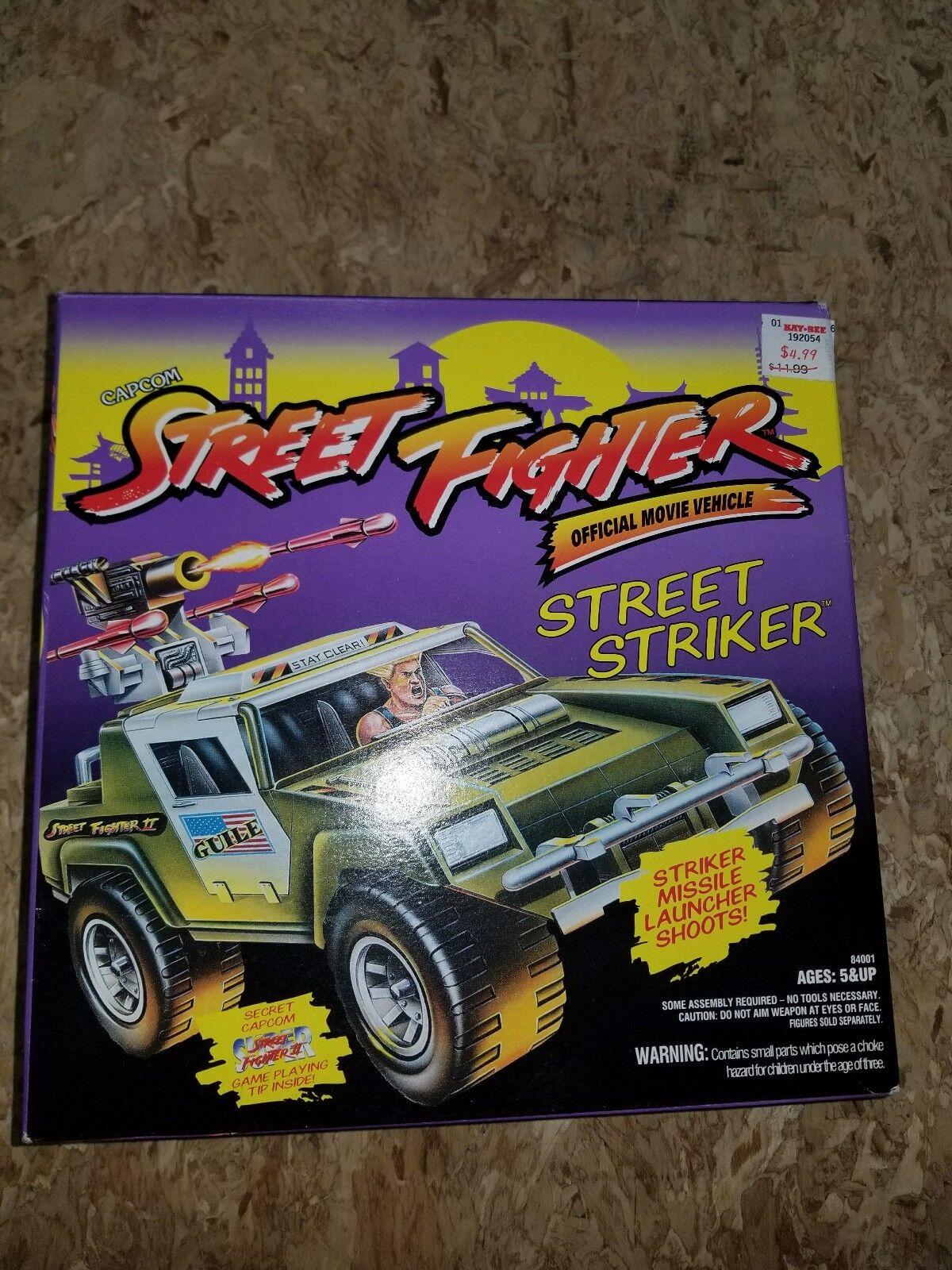 GI JOE Street Fighter 1994 STREET STRIKER JEEP MISB