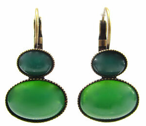 SoHo-Ohrhaenger-bohemia-glas-1960s-green-moonshine-oval-cabochon-gruen-mondstein