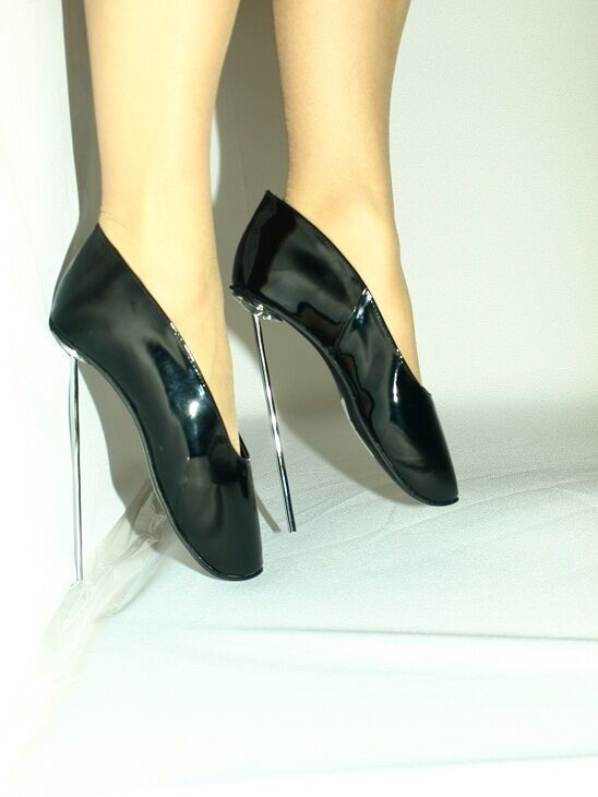 BLACK OR RED PATENT LEATHER BALLET PUMPS SIZE 10-16 HEELS-8,5