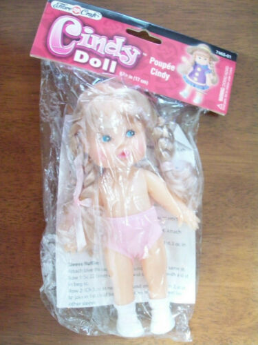FIBRE CRAFT CINDY DOLL BLOND HAIR #7465-01 WITH PATTERN