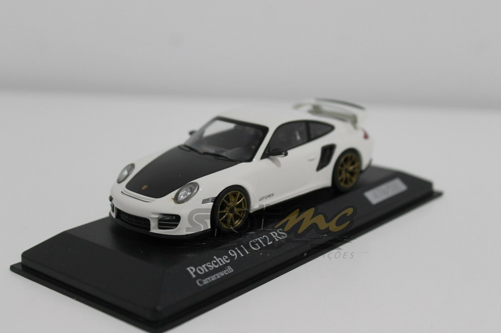 MINICHAMPS 400069406 Porsche 911 (997 II) GT2 RS 2010 White 1 43  NEW  500 UND.