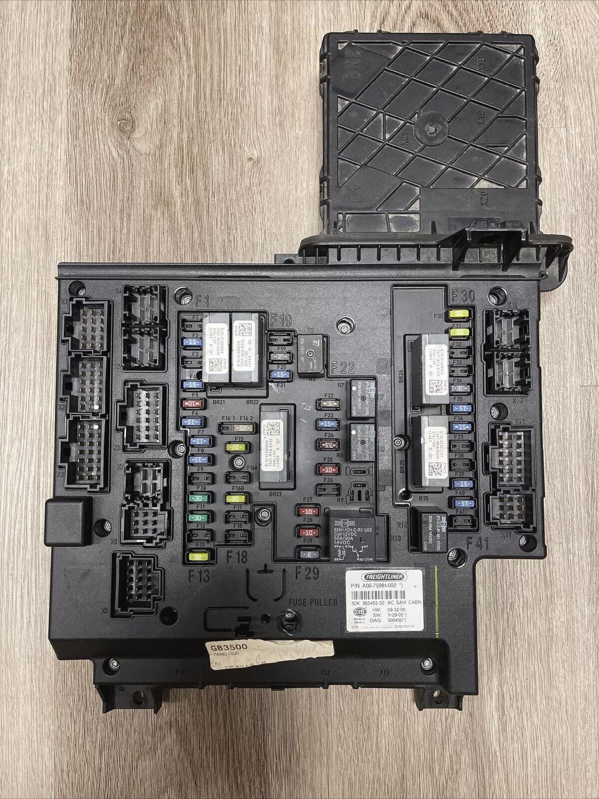 Driver Side with Install Kit 100W Halogen 6 Inch Cab Side Roof Mount Spotlight -Black Larson Electronics 1017OJII5JM 2014 Freightliner 114 Sd Ext