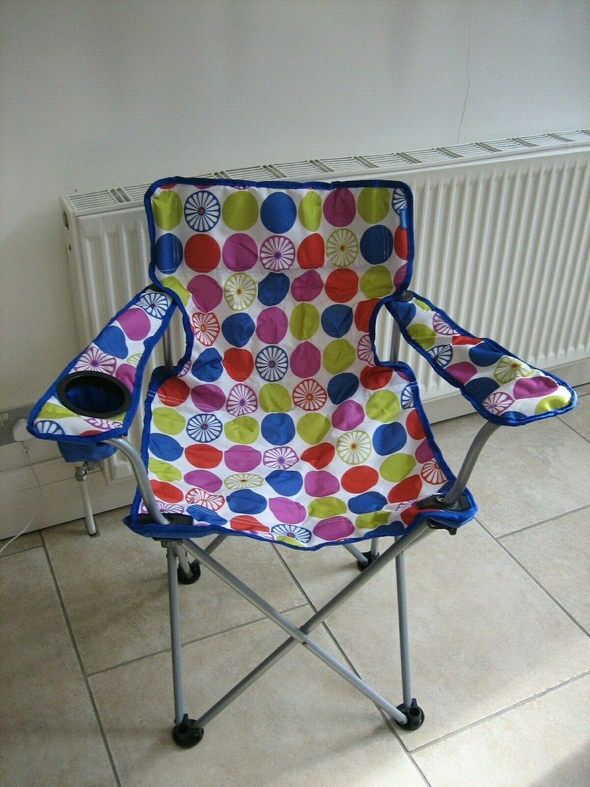 John Lewis Camping Chairs Collapsible Bright Dot x 2 Drink holder Carry Tasche BNWT