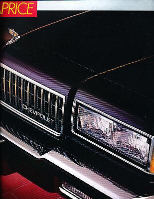 1982 Chevrolet Camaro Chevy Deluxe Sales Brochure Book