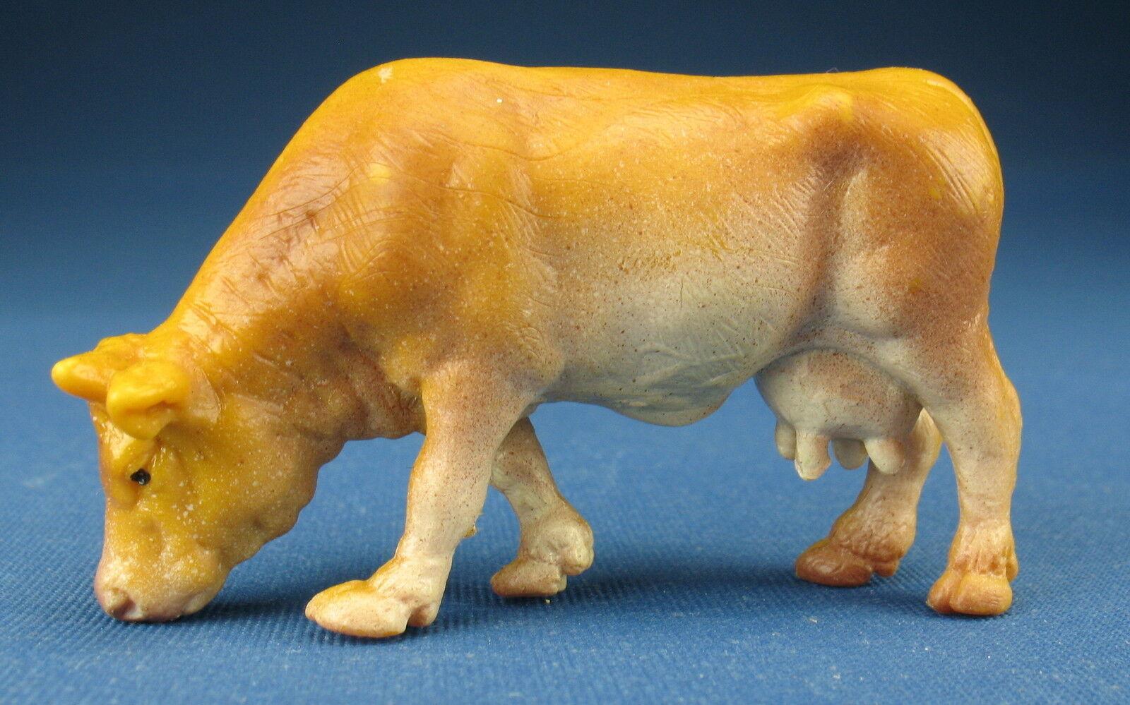 Schleich CLASSICS 12227 -- Kuh grasend - Cow grazing - Classic -- Schleichtier