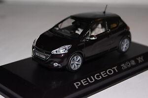 Peugeot-208-xy-2012-purple-Night-1-43-NOUVEAU-amp-OVP