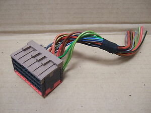 PORSCHE-944-FUSE-BOX-WIRING-LOOM-REPAIR-SECTION-BROWN-RED-PLUG