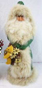 Vintage-23-034-Folk-Art-Santa-Green-Coat-Wreath-with-Teddy-Bear