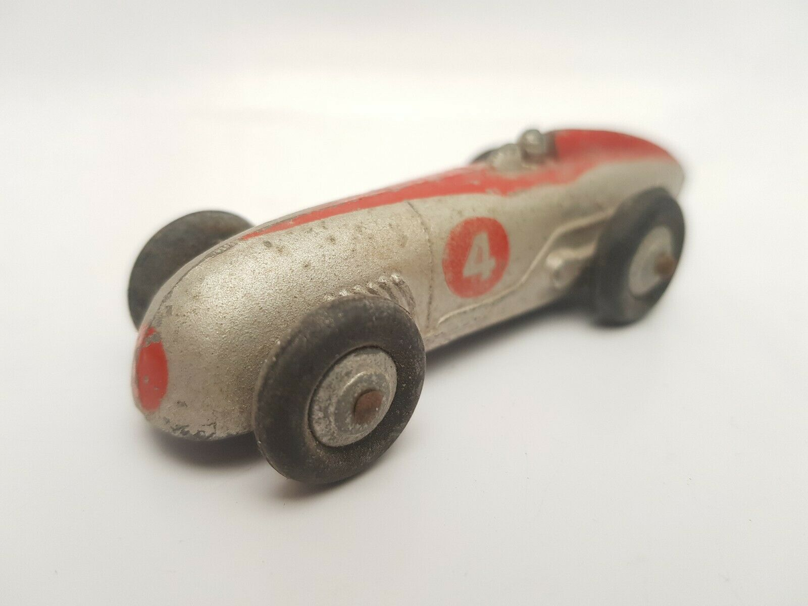 Dinky 23a Racing Car 1946 - 52 silver & red red with silver hubs & rounded axles