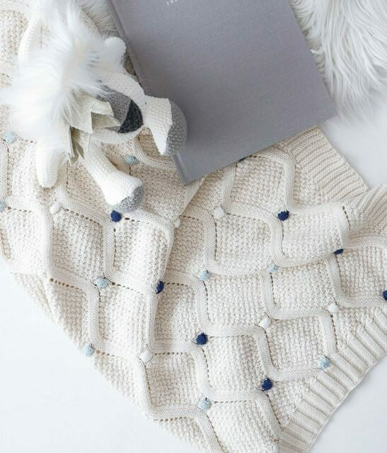 Shawl Blue Wrap NWT Rochdale Boutique 100/% Pure Cotton Cable Knit Baby Blanket