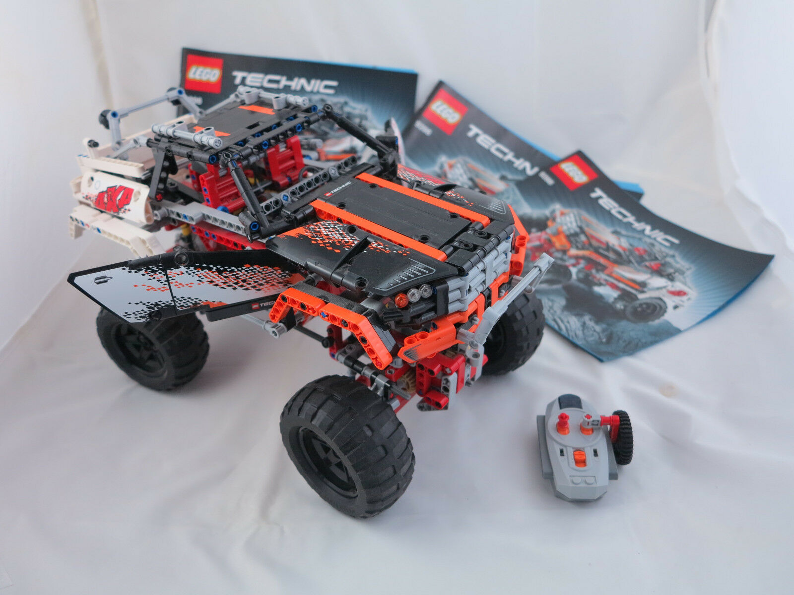 Lego 9398 técnica  4x4 offroader  con Oba & mando a distancia ( 86)