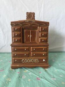 Vtg-McCoy-Dresser-chiffaro-cookie-jar-MCCoy-Made-In-USA