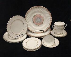 Beautiful-5-Pcs-Place-Setting-ROYAL-DOULTON-for-4-Persons-20-Pcs-New-2