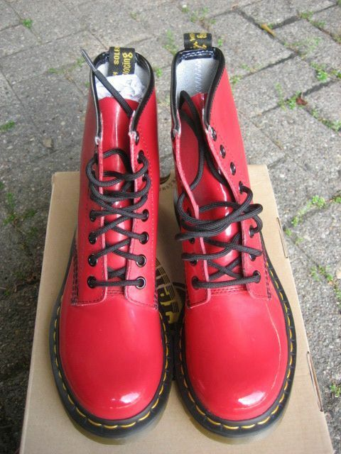 Seconds Dr Martens 8-hole Seconds 1460 Red Patent a 11821606a