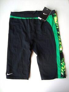 2098a4b2e8ef Detalles de Nike Verde Performance Solar Palio Jammer Hombre Bañador Nuevo  con Etiqueta
